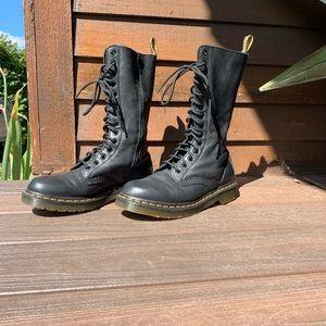 Dr. Martens 1B99 Combat Boots